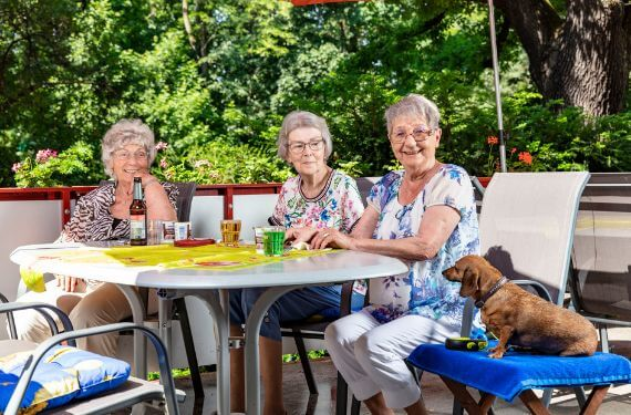 AlexA Lichtenberg Berlin Pflege Betreuung Angebot Aktivitäten Vielfalt Senioren Altenpflege