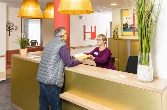 AlexA Rostock Pflege Betreuung Residenz Foyer Rezeption Willkommen Senioren Altenpflege