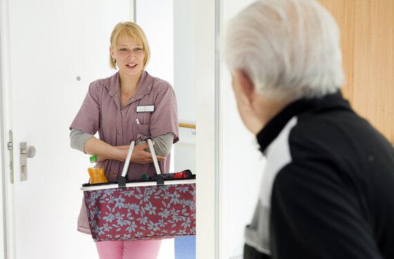 Klein Pflegen AlexA Betreuung Pflege Angebot Senioren
